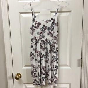 ✴️4/$15 ON white paisley dress XS